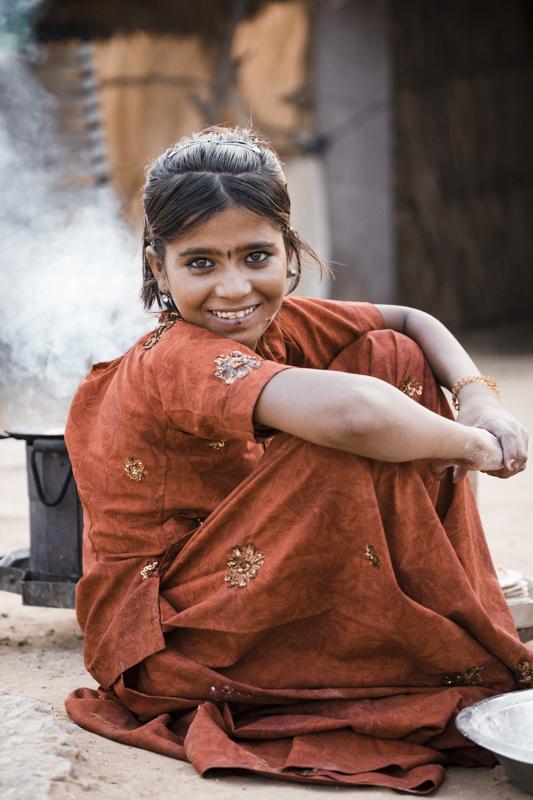 ana-abrao-india-pushkar-red-dress-girl